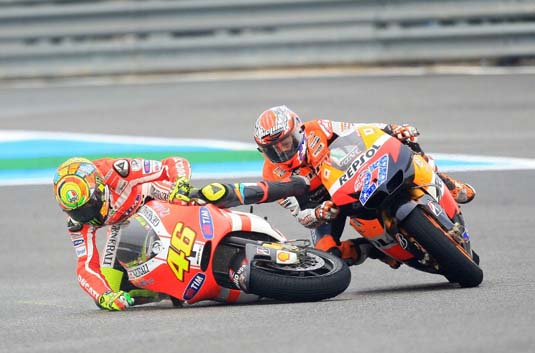 rossi-ducati-crash