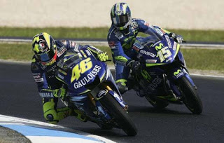 Download Video MotoGP 2004 (Full Race)